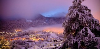 Cauterets está rodeado de altas montañas, cascadas y lagos.