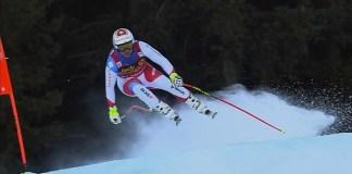 Marc Gisin, instantes antes de sufrir la terrible caída en el descenso de Val Gardena.