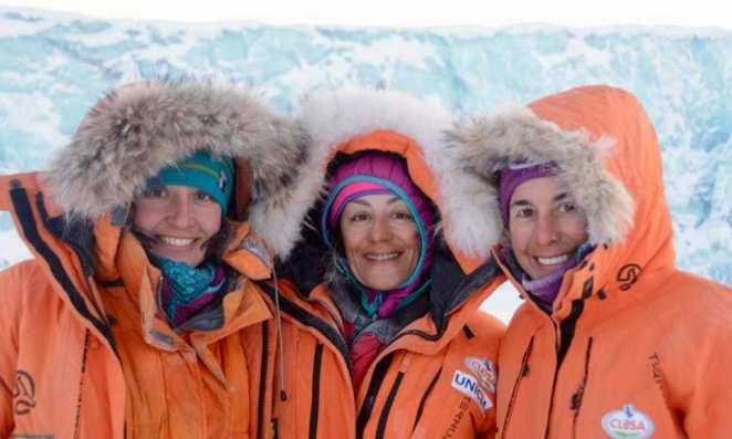 Chus Lago, Verónica Romero y Rocío García, a punto de partir