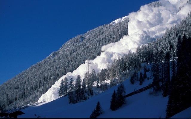 Una avalancha en Suiza (Archivo)