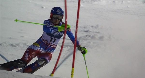 Un gran descenso de Vlhova le ha permitido luchar por el oro con Holdener, otra esquiadora técnica que se ha manejado bien en la primera manga.