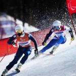 Santacana posee una discapacidad visual y lleva 17 años esquiando con su guía Miguel Galindo