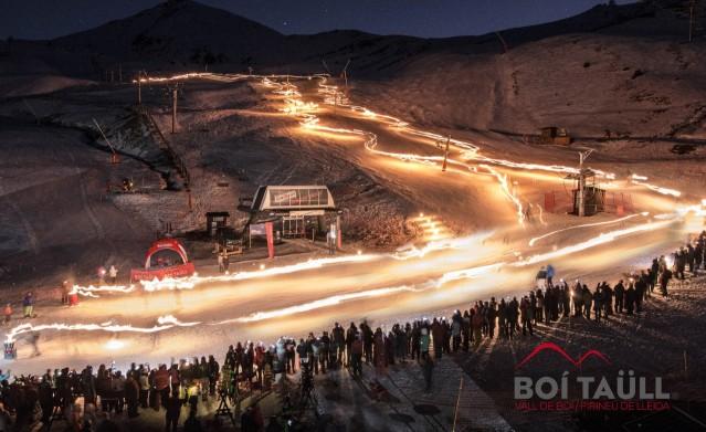 Una imagen nocturna del centro de la Alta Ribagorza