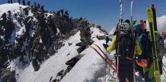 Los más de 200 montañeros se vieron atrapados por la aglomeración en el paso de Mahoma