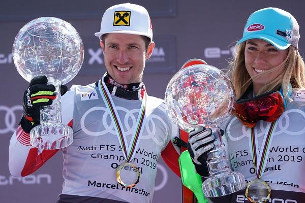 Mikaela Shiffrin y Marcel Hirscher exhiben sus Globos de Cristal en Soldeu. FOTO: ©OriolMolas