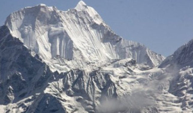 Imagen de la montaña Chukima Go, entre Nepal y China
