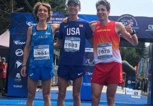 El podio masculino: Francesco Pupi, Jim Wamsley y Oriol Cardona. RFEA