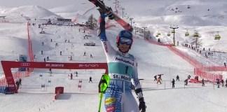 Petra Vlhova ha logrado su primera victoria de la temporada en el slalom paralelo de St. Moritz.