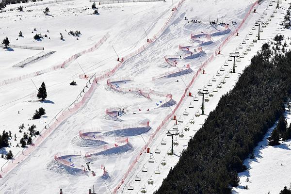 Por primera vez se disputará una prueba de de Snowboard Dual Banked Slalom (DBSL). FOTO: @Luc Percival