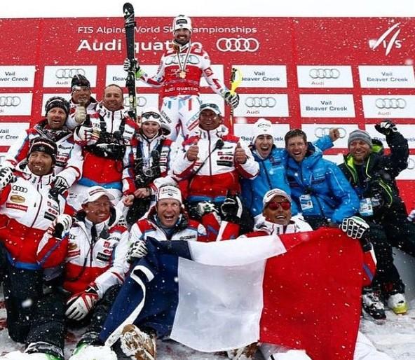 Celebrando con el equipo francés el segundo título mundial de Grange en Vail 2015. FOTO: Instagram J.L.