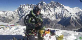 Lhakpa Nuru Sherpa ha comenzado a aclimatarse al pie del Everest. EFE