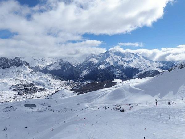 Las estaciones de esquí españolas suman a su propio protocolo sanitario el promulgado por ATUDEM.