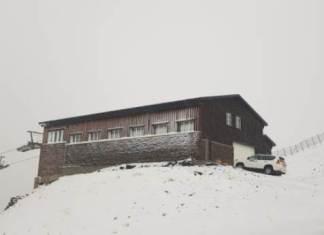 La estación granadina se viste de blanco