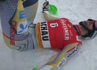 Foss-Solevaag, exhausto y feliz tras lograr su primera victoria en la Copa del Mundo.