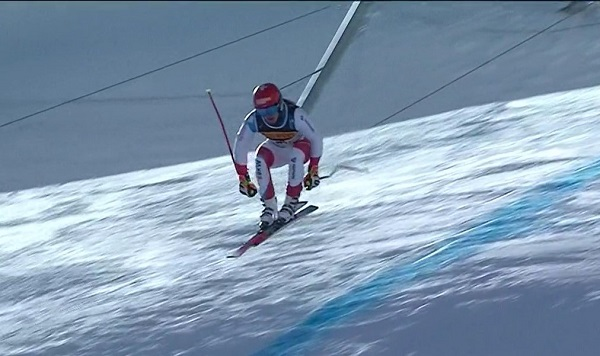 Loic Meillard fue el segundo en salirse tras el primer salto, que forzaba enormemente las siguientes puertas.