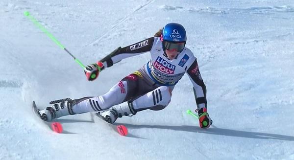 Petra Vlhova defendía título y todo indica que va a llegar justita a final de temporada.