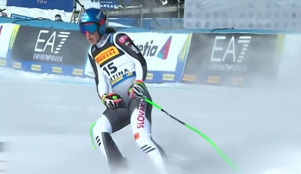 A Petra Vlhova las caractyerísticas del trazado y una nieve marcada no le han beneficiado en su esquí de fuerza.
