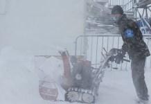Pese al intenso trabajo en la pista, la nieve y la niebla han impedido que se realizase el entrenamiento de los descensos. FOTO: @swissskiteam