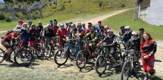 La bicicleta de montaña encuentra en las nueve pistas de descenso de Les Angles su marco ideal.