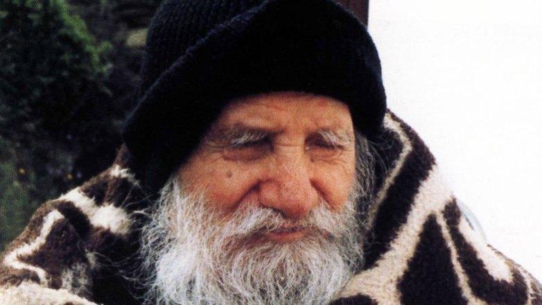 """Όσιος Πορφύριος ο Καυσοκαλυβίτης: μια ζωή """"σαν παιδάκι"""""""