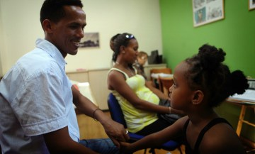 Open Clinic for Migrants and Refugees - Photo by Noa Megger - via Physicians for Human Rights Israel Flickr