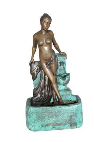 "Lady on Wall fountain Bronze Statue -  Size: 12""L x 9""W x 21""H."