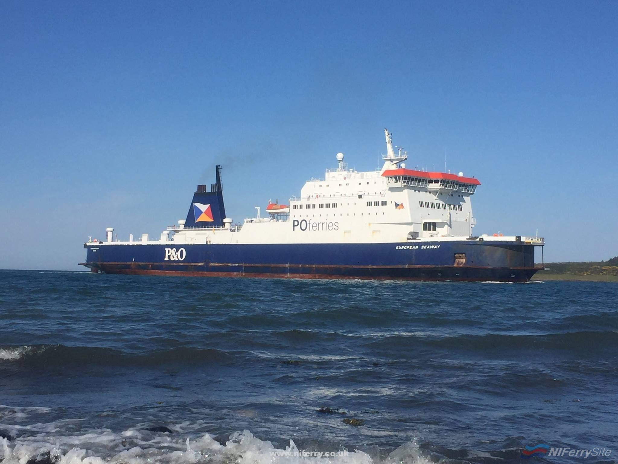EUROPEAN SEAWAY arrives at Larne for the 3rd time on her first day for more berthing trials. Copyright © Gary Andrews.