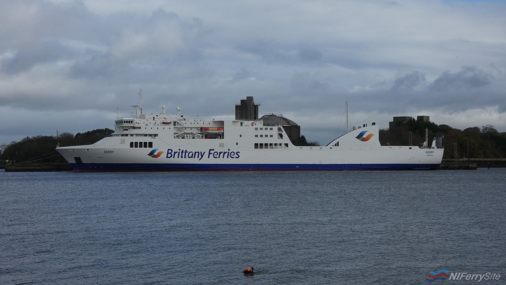 Brittany Ferries KERRY at Marino Point, 03.11.19. Copyright © Patrick Healy.