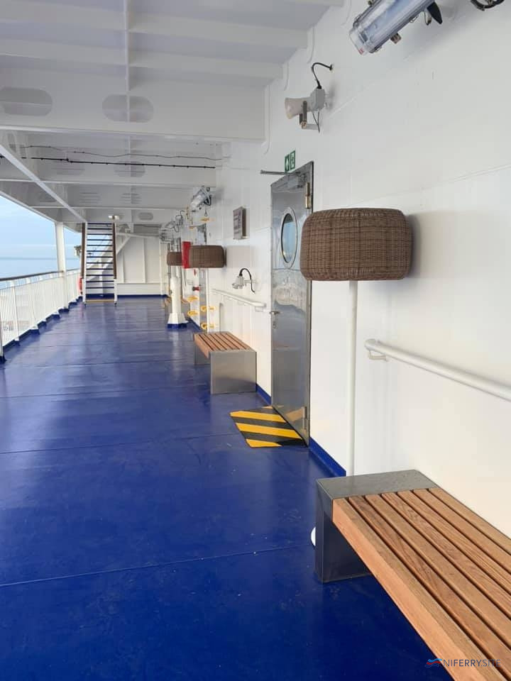 STENA ESTRID The outside deck aft on Deck 8. Three of the four doors on the right allow occupants of the corresponding deluxe cabin to use this area as a balcony. © David Faerder.