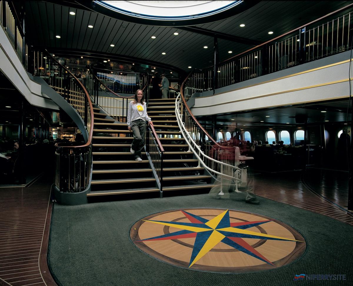Lobby, <strong>SUPERSTAR EXPRESS</strong> P&O Irish Sea.
