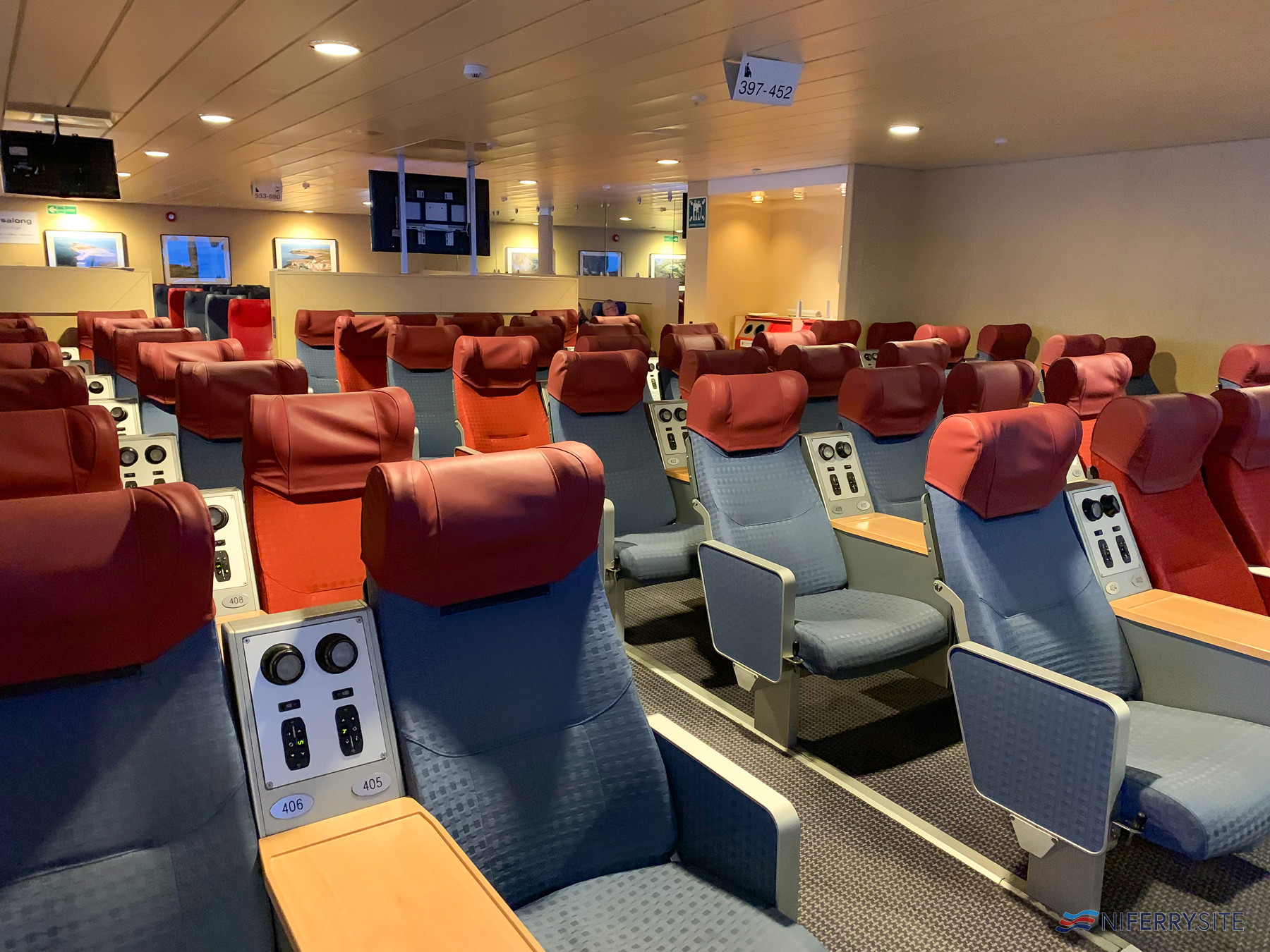 The Forward Lounge onboard VISBY. Image: © Gary Andrews.