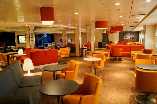 Family lounge. Situated forward on deck 8 (with cabin accomodation further forward). Copyright © Steven Tarbox