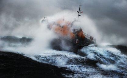 Breaking Seas - Kilmore Quay