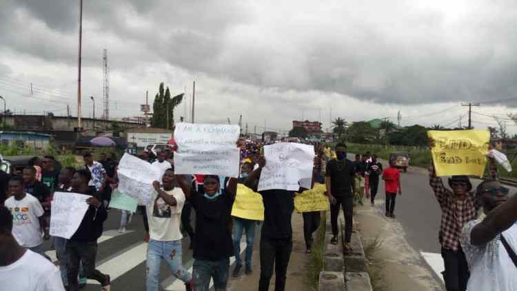 Warri #EndSARS protesters on Wednesday in Warri