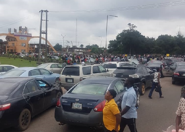 Protesting UNIBEN students at the school gate