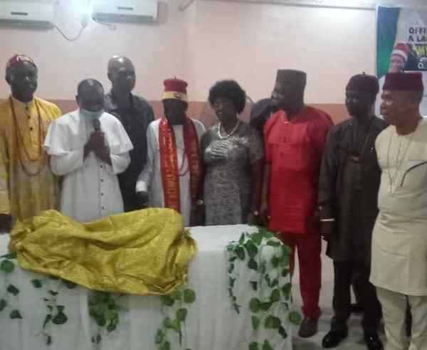 Former NUJ Boss, Onyeneke charges youths to emulate Octagenarian Author, Akuwuigwe