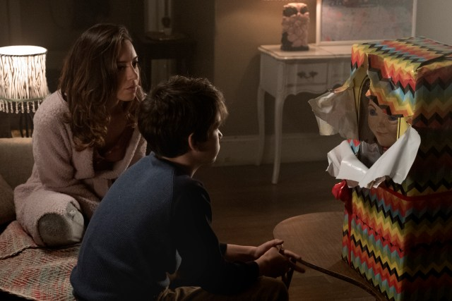 Karen surprises Andy with a Buddi doll in CHILD'S PLAY