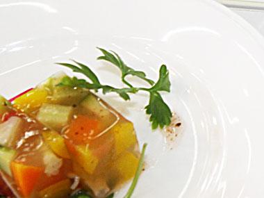入賞「ザクザク野菜のコンソメゼリー寄せ」の写真