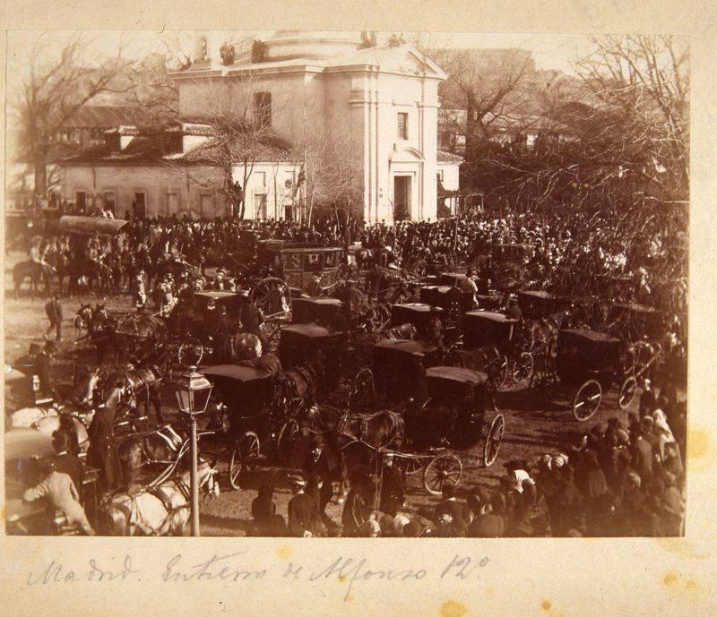 San Antonio de la Florida. Comitiva del entierro de Alfonso XII. 1885. Memoria de Madrid.