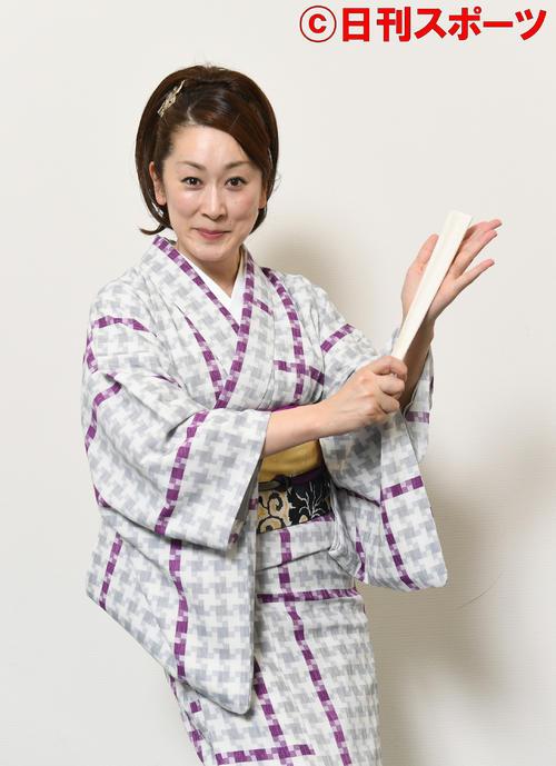 元大河女優の神田蘭、歌あり踊りありのレビュー講談
