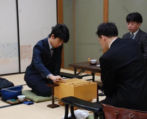 六段昇段後、初の対局に臨んだ藤井聡太六段(撮影・松浦隆司)