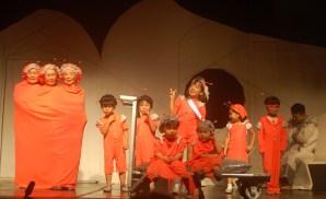 子どもらも大活躍した演劇