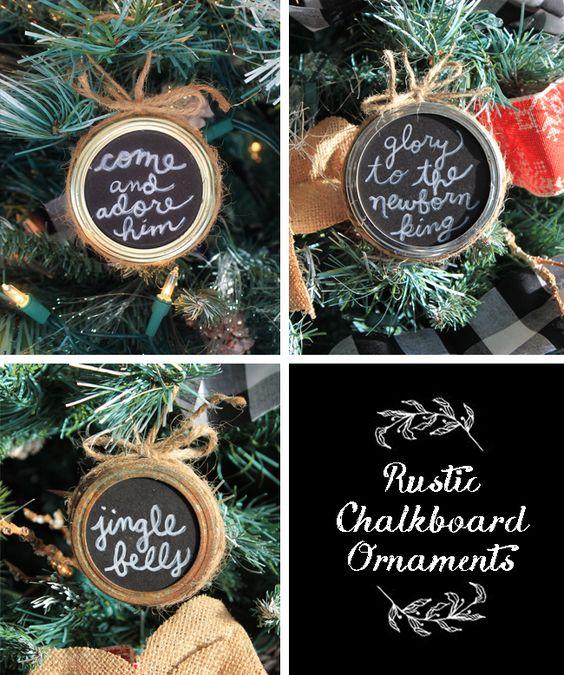 Make these cute mason jar lid chalkboard ornaments that make perfect holiday gifts