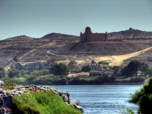 Das Mausoleum von Aga Khan III. in Assuan am Nil, Ägypten. Foto: www.nikkiundmichi.de
