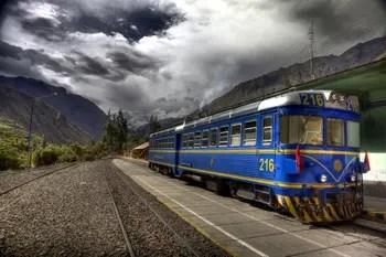 Der kleine Anden-Zug in Ollantaytambo.