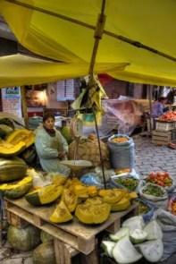 Markststand mit Kürbissen in La Paz, Bolivien.