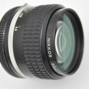 Nikon Nikkor 35mm 2.0 - AIS Objektiv - Zustand B/A- Top Bildqualität
