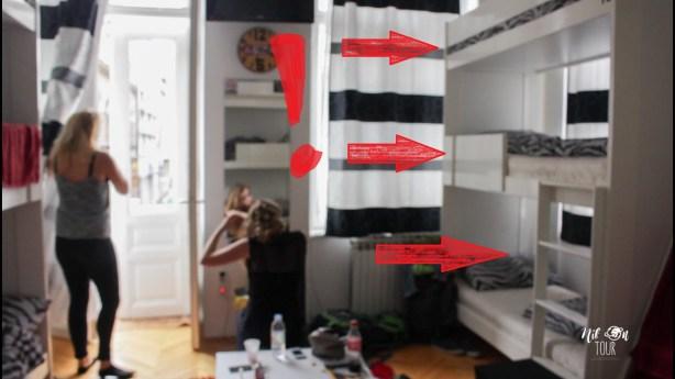 Helemaal cool natuurlijk: een stapelbed met drie bedden @Hostel Inn