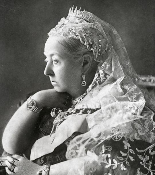Queen_Victoria 5