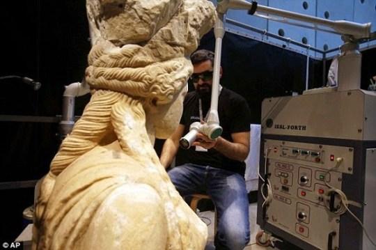 Museum, Karyatides, NY Times, Acropolis Museum, Μουσεία, Μουσείο της Ακρόπολης, nikosonline.gr